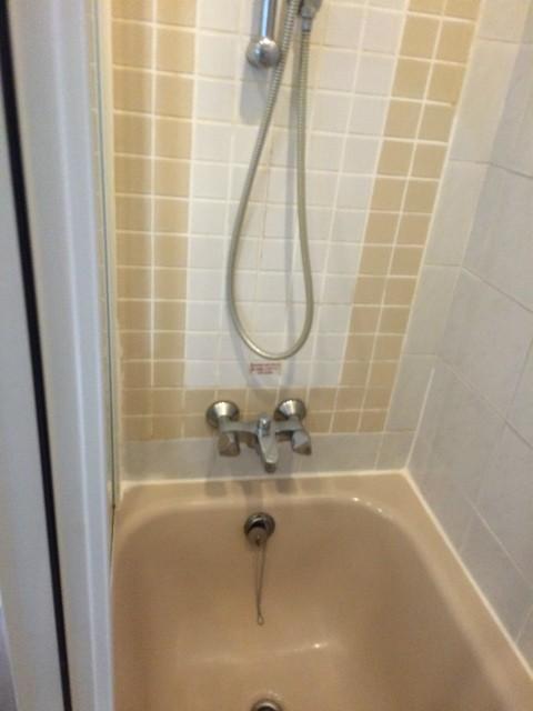 シラチャ お風呂用 浄水軟水器 施工前